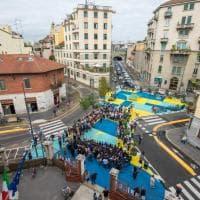 Giallo, azzurro e blu: festa di colori per la piazza dei bambini a NoLo