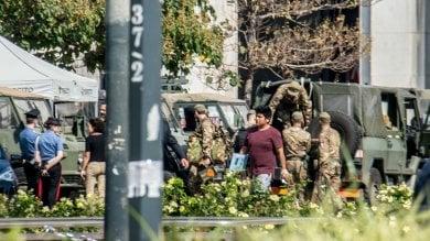 Militare ferito: l'aggressore resta in carcere con l'accusa di terrorismo