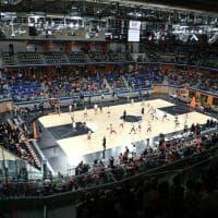Milano, la festa delle leggende dell'Olimpia nel Palalido ritrovato