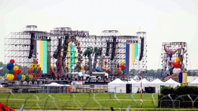 Jova Beach Party, tutto pronto a Linate per l'invasione dei 100 mila: guida allo show   ft