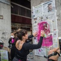 Milano, il flash mob fucsia di