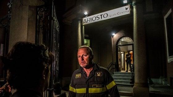 Milano, crolla controsoffitto al cinema Ariosto: paura e due feriti tra gli spettatori