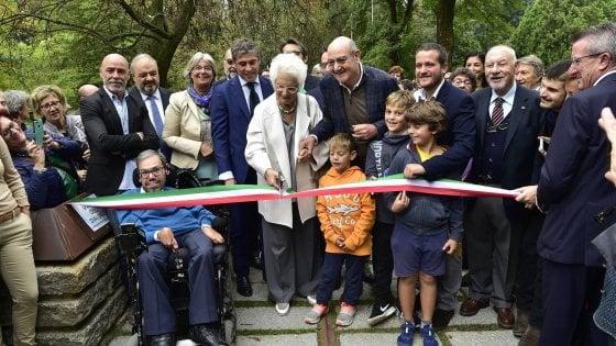 """Liliana Segre inaugura il nuovo Giardino dei Giusti a Milano: """"Eroi umili, un dono per tutta l'umanità"""""""