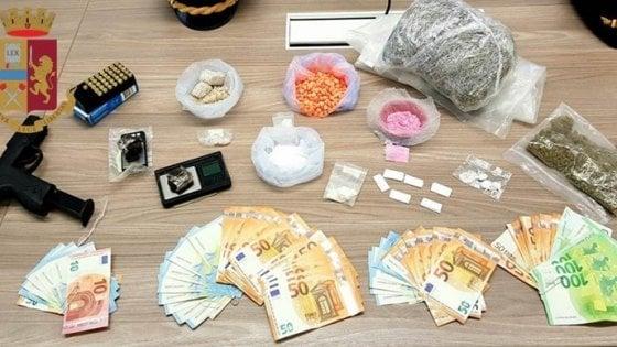 Spacciavano la cocaina rosa da 400 euro a dose durante la Milano Fashion Week: due arresti