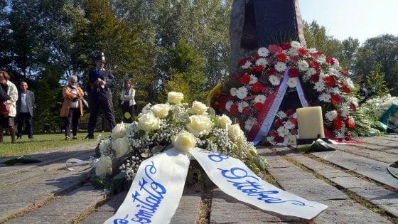"""Milano ricorda le 118 vittime della strage di Linate: """"Evitare che queste tragedie si ripetano è la nostra missione"""""""