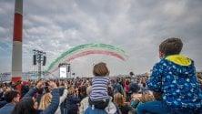 Linate, lo show delle Frecce tricolori nel cielo sopra Milano