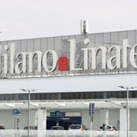 Conto alla rovescia per la riapertura di Linate: il primo aereo atterra