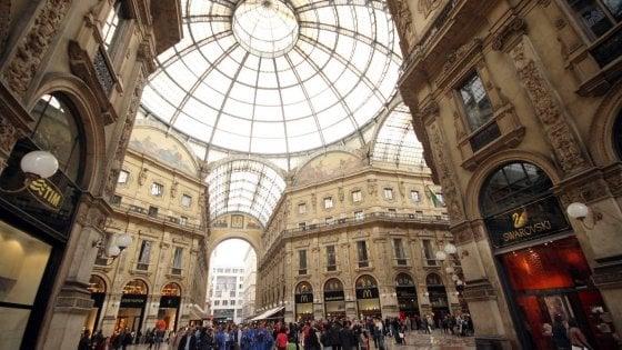 L'asta record in Galleria a Milano per il negozio Tim: un rilancio da 50mila euro ogni tre minuti