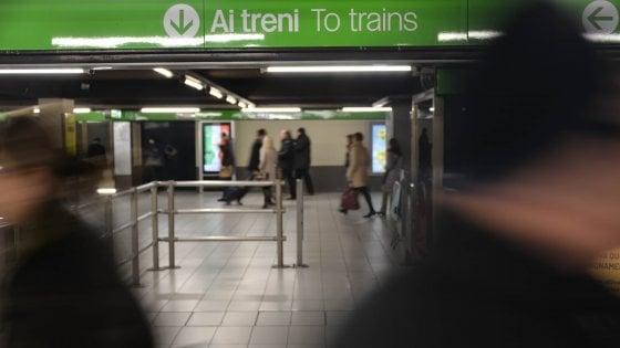 """Milano, fermate del metrò senza ascensori per disabili:""""Telefonate prima per sapere se funzionano"""""""
