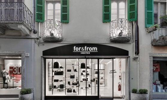 Il colosso di Zara apre a Como il primo negozio italiano del progetto for&from: commessi disabili contro le barriere