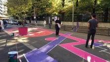 Un nuovo spazio di socializzazione in via Reni: asfalto colorato, giochi e panchine