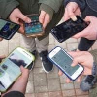 Ragazzini offrivano foto hard in chat in cambio di piccole somme: indagine