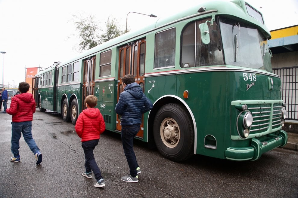 Dai mezzi 100% green al vecchio filobus, Atm apre le sue porte