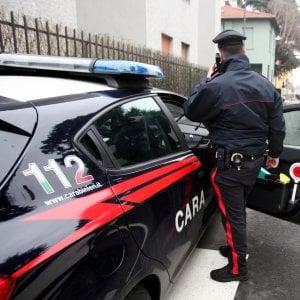 Tortura e tenta di uccidere l'ex moglie, poi si dà fuoco: arrestato un 57enne nel Comasco