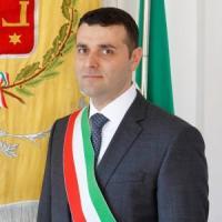 Dimissioni di massa in consiglio comunale, via sindaco della Lega nel Comasco