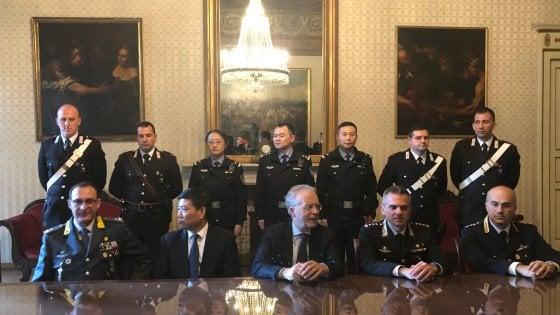 Milano, controlli in città con i poliziotti cinesi