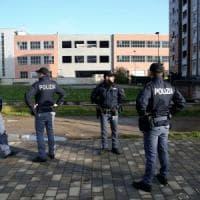 Milano, maxiblitz anti-abusivi nelle case popolari di viale Sarca