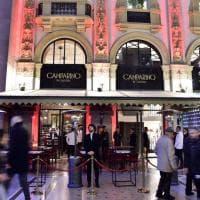 Specchi, cocktail e il pan'cot di Oldani: riapre il Camparino in Galleria