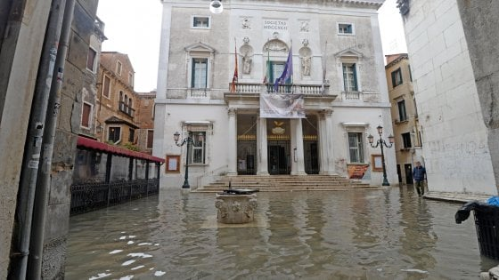 Venezia sott'acqua, spettacolo alla Scala di Milano per raccogliere fondi per il teatro La Fenice