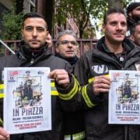 Vigili del fuoco, dopo le morti di Alessandria presidio anche a Milano: