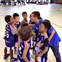 Papà prende a pugni l'allenatore di minibasket:
