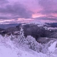 Lo spettacolo del tramonto e delle luci sulle Prealpi bresciane