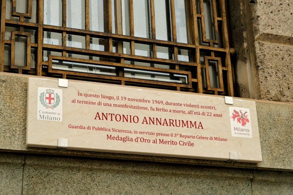 Milano: una targa per ricordare il poliziotto Annarumma, vittima degli anni di piombo