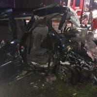 Incidenti stradali, nel Lodigiano scontro tra due auto: muore una 16enne, grave la sorella