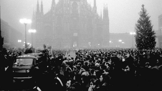Piazza Fontana, la memoria di Milano a 50 anni dalla strage: mostre, cortei e ricordi delle vittime