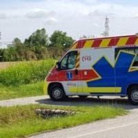 Incidenti sul lavoro, nel Bresciano operaio muore incastrato tra la gru e il tetto su cui lavorava