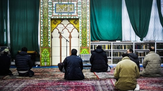 """Piano moschee, la Consulta boccia la Regione Lombardia: """"Regole limitano senza ragione libertà di culto"""""""