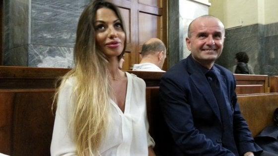 """""""Barbara Guerra minacciava di parlare se Berlusconi non pagava"""": al processo Ruby Ter il racconto dell'architetto"""