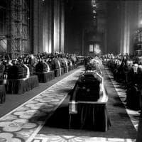 I giorni del terrore e del dolore: piazza Fontana, dalla strage ai funerali di Stato in Duomo