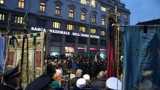 """Piazza Fontana, Mattarella a Milano con le vedove Calabresi e Pinelli: """"Depistaggi di una parte dello Stato doppiamente colpevoli"""""""