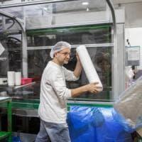 La fabbrica di plastica e l'ambiente da salvare: