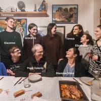 Mamma, papà e dieci figli: benvenuti a pranzo in casa Rossi