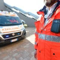 Incidenti sul lavoro, operaio muore schiacciato da una porta in un'azienda agricola del Bresciano