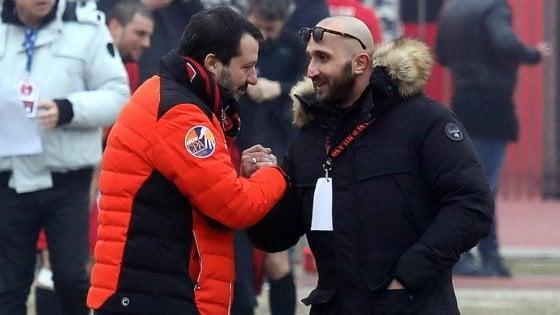 Salvini e la polemica sulla caccia agli spacciatori, rispunta la foto con il capo ultrà condannato per droga