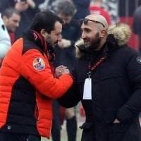 Salvini e la polemica sulla caccia agli spacciatori, rispunta la foto con