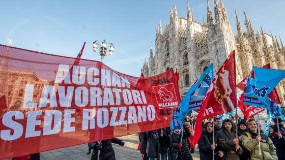 Auchan comprata da Conad, licenziamenti comunicati ai sindacati: 817 esuberi, la metà in Lombardia