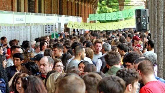 Università lombarde, le immatricolazioni crescono dell'8%: gli studenti arrivano da tutta Italia