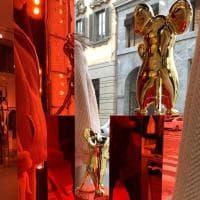 La moda festeggia il Capodanno cinese, in via Montenapoleone vetrine a tema e il rito del tè