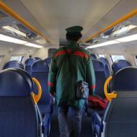 Aggredisce il controllore sul treno, arrestato dalla polizia