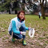 Correre e raccogliere rifiuti, il plogging conquista Milano
