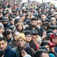 Si vota per il parlamento del Perù, la folla degli emigrati in fila al seggio di Milano