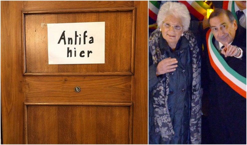 """""""Antifa hier"""": il cartello antifascista sulla porta scritto da Beppe Sala si moltiplica in scuole e città"""
