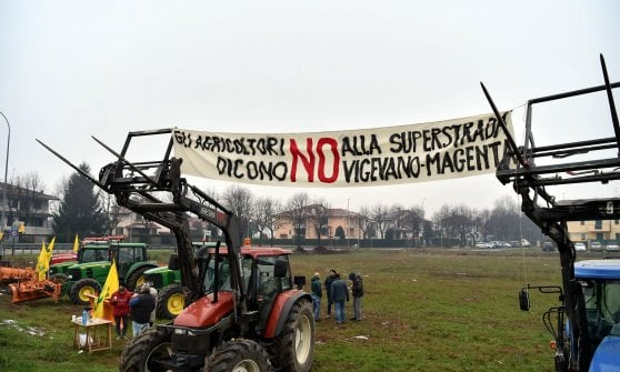 """Superstrada Vigevano-Malpensa, il Tar blocca i lavori. Protesta la Lega, M5S: """"Ascoltati i cittadini"""""""