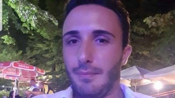 Si schianta contro un albero al rientro dalla discoteca: morto un 26enne leccese a Cremona