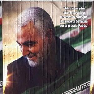 A Milano manifesti in onore di Soleimani, generale iraniano ucciso in un raid degli Usa