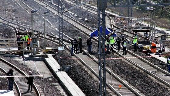 Treno deragliato, dissequestro parziale dell'area per ripristinare l'alta velocità. Spunta ipotesi di un problema tecnico